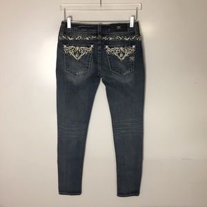 Miss Me Mid Rise Skinny Jeans. Size 27
